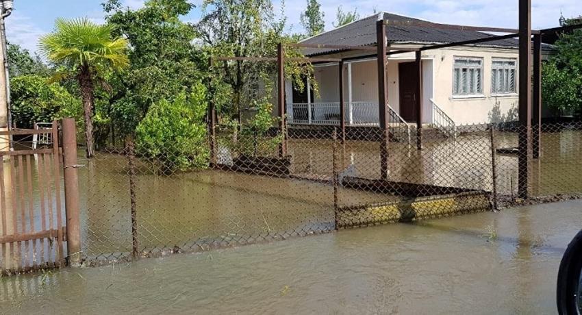Более 30 домов подтопило в Гале во время ливня