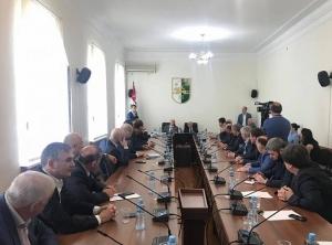 Аслан Бжания встретился с депутатами Парламента Абхазии