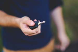 В Черкесске у гражданина Абхазии конфисковали BMW 520-i