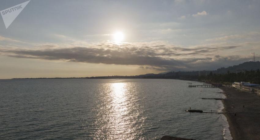 Утечка горюче-смазочного материала в море произошла на Сухумском пивзаводе