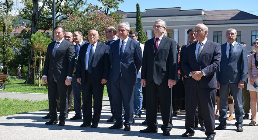 Первый день войны: память защитников Абхазии почтили в Сухуме