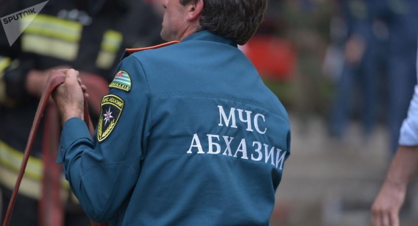 МЧС Абхазии рассказало об инциденте со сгоревшим автомобилем в Сухуме