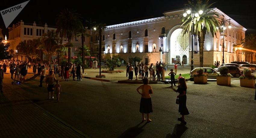 Абхазский драмтеатр будет бесплатно развозить зрителей после спектаклей