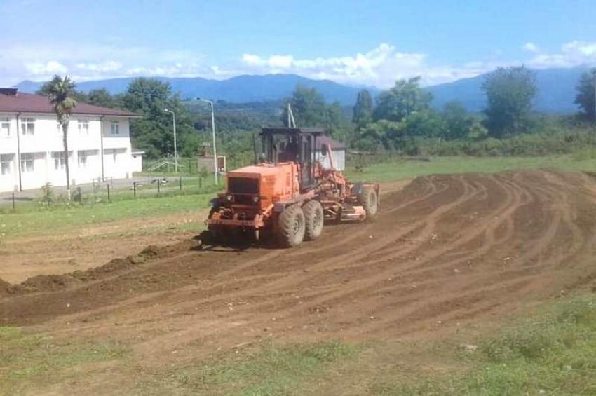 В селе Пакуаш строится мини-футбольное поле