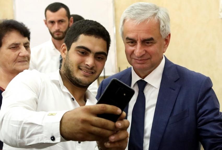 Встреча Рауля Хаджимба с представителями Армянской общины Республики Абхазия