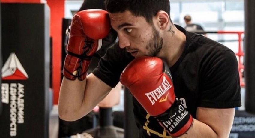 Поторопился с нокаутом: Игорь Адлейба победил в боксерском поединке в Екатеринбурге