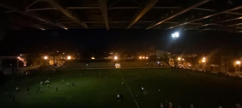 Матч между сборными Абхазии и ДНР был прерван из-за выхода из строя прожектора