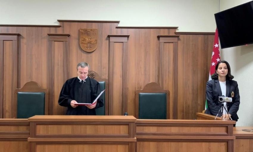 К 18 годам лишения свободы приговорен обвиняемый в умышленном убийстве двоих людей