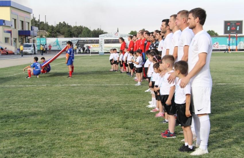 Вход на матч Абхазия – ДНР – строго в масках – Госкомитет по делам молодежи и спорту