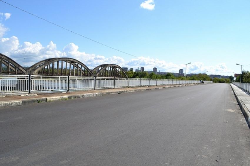 В селе Нижняя Эшера завершаются ремонтные работы на мосту через реку Гумиста