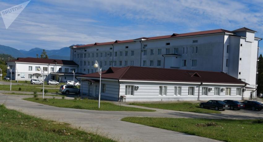 Число смертей с COVID-19 в Абхазии выросло на четыре и превысило двести