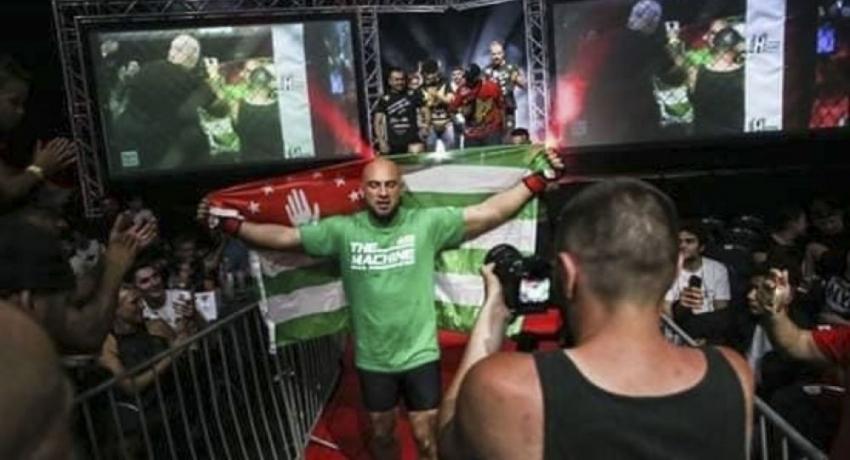 Корай Ацугба поборется за титул чемпиона MMA World Mix Fight