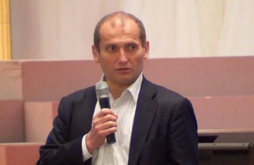 Генпрокуратура Абхазии нашла у похищенного акционера Кировского завода тайник с крупной наличностью
