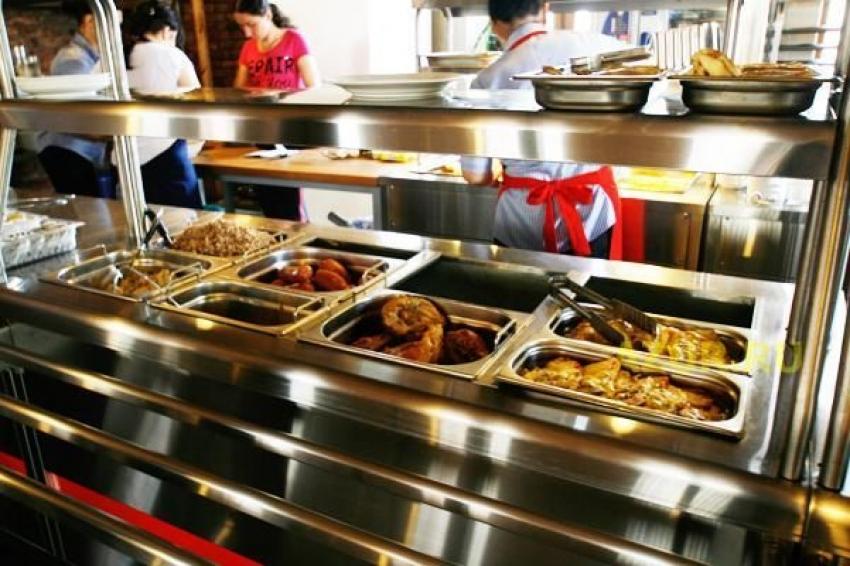 Обед по предписанию.Соответствуют ли столичные столовые стандартам общепита?!