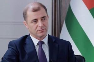 Адгур Ардзинба предложил использовать социальные сети для организации дебатов